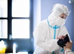 Indispensabili infermieri, mostra fotografica di Massimo Sestini