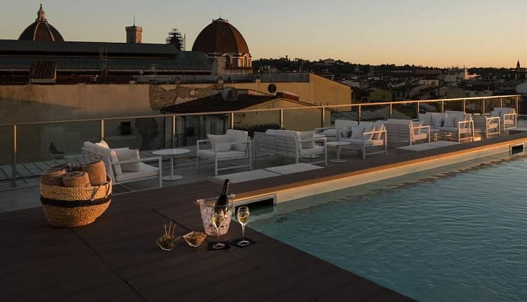 Aperitivo con vista: 6 terrazze con panorama mozzafiato a Firenze ...