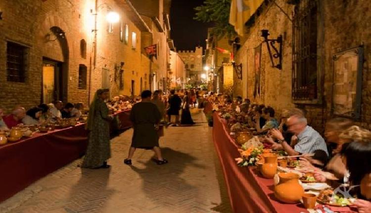 incontri in epoca medievale incontri online assistenti aiutare il solitario e occupato